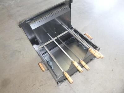 Unused Spade Churrasquero Portable Rotisserie Grill